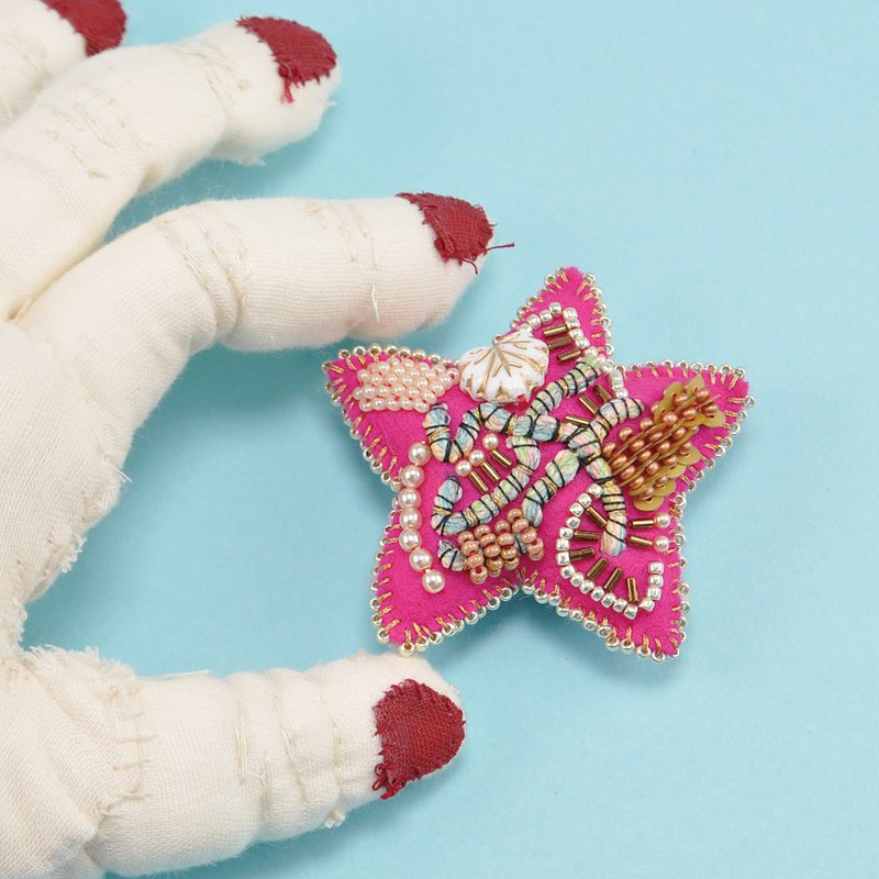 Star shaped brooch, colorful brooch, embroidered statement brooch, pink 1