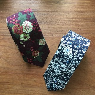 Neck tie Floral [Red/ Navy-White]