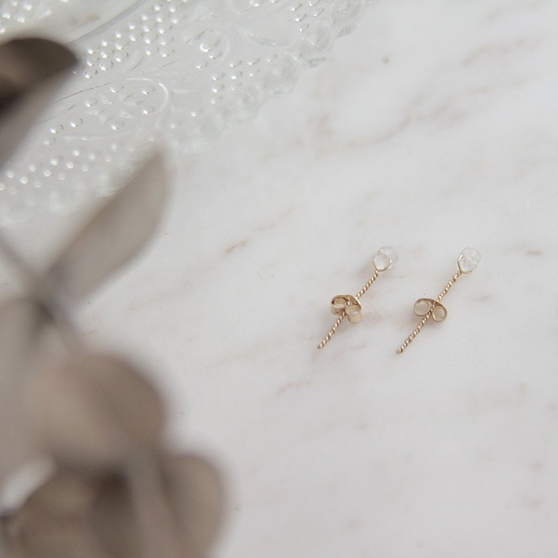 Minimalist semi-precious stone blue moonstone bag 14 k gold wire earrings do not have to wear to remove