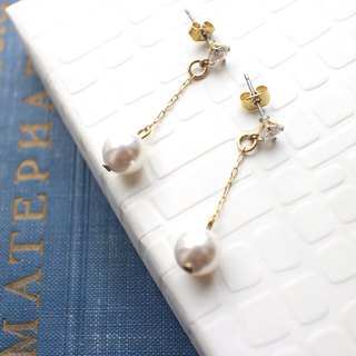 The snow-pearls zircon earrings