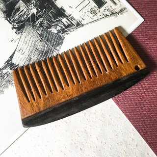 Hand with the comb - sandalwood stitching