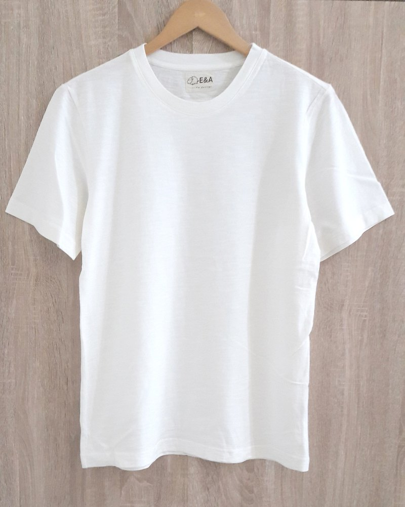 Blank plain white T-shirt (no fluorescent white) boys