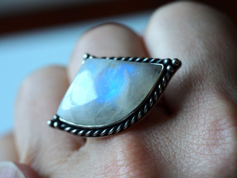 Natural Moonstone Large Blue Moonstone ムーンストーン Ring Handmade Jewelry