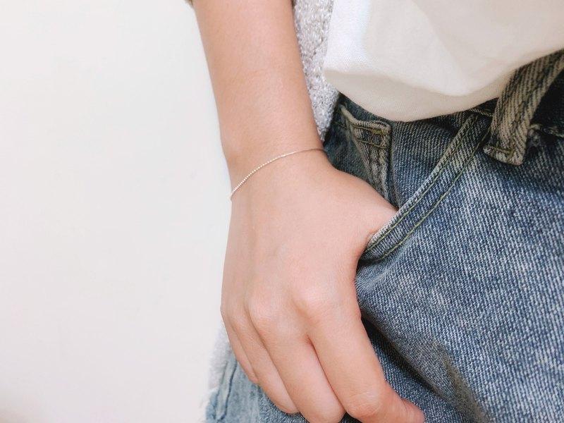 925純銀 / 曖曖內含光 • 極細 • 微閃亮手鍊