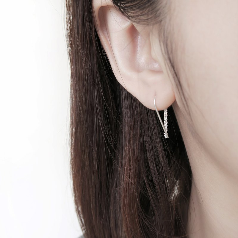 925 sterling silver exclusive 璀璨 Galaxy small U-shaped earrings pair