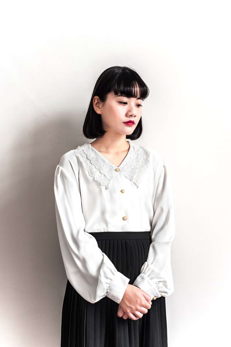 Vintage large white lace vintage shirt