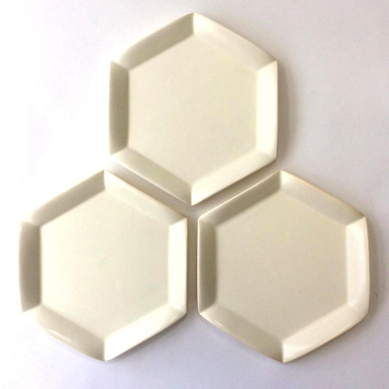 Hexagonal flower flat plate