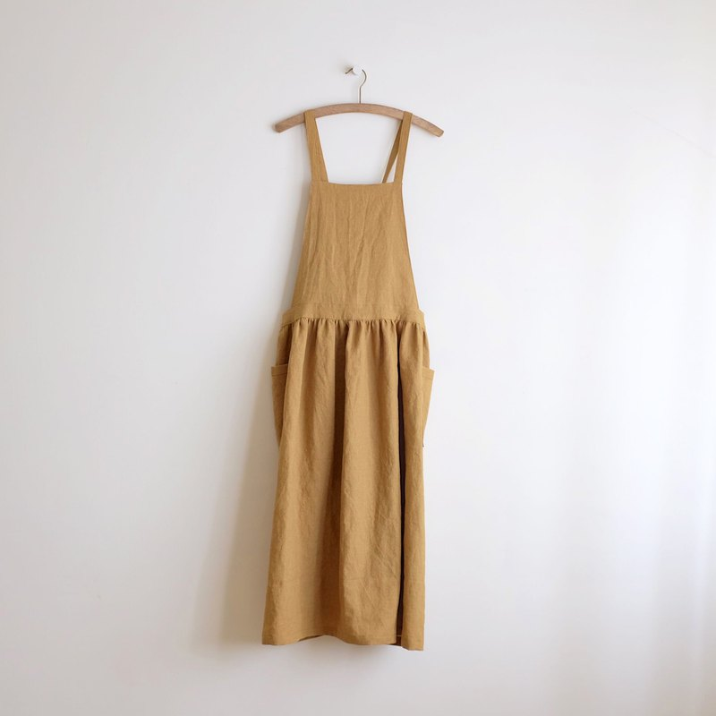 In the daily hand-made clothes, there is a little girl mustard bandage work apron linen special order