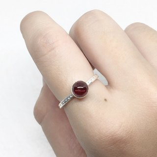 Egg face garnet 925 sterling silver fashion simple style ring Nepal handmade mosaic production (style 2)