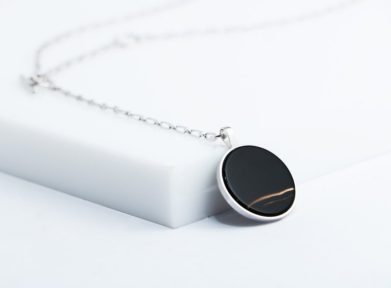 Zhen Yuliangyuan / Black Agate 925 Silver / Necklace / With gift box packaging