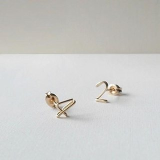 Hitotsubu number (number) Stud Earrings