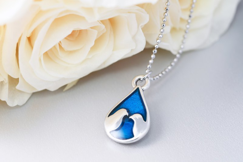 Hand-painted cold 珐琅 series love 爱情 love bird shape necklace star night