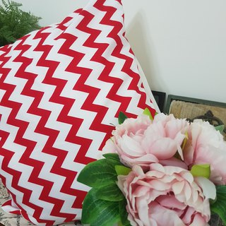 Nordic minimalist wavy red pattern pillow / pillow