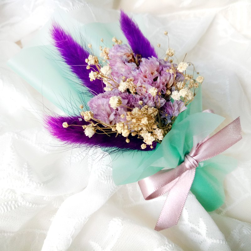 Bouquet of dried flowers of the thyme Star Flower Gypsophila mini bouquet Valentine's Day / Teacher's Day / birthday / Mother's Day / graduation gift