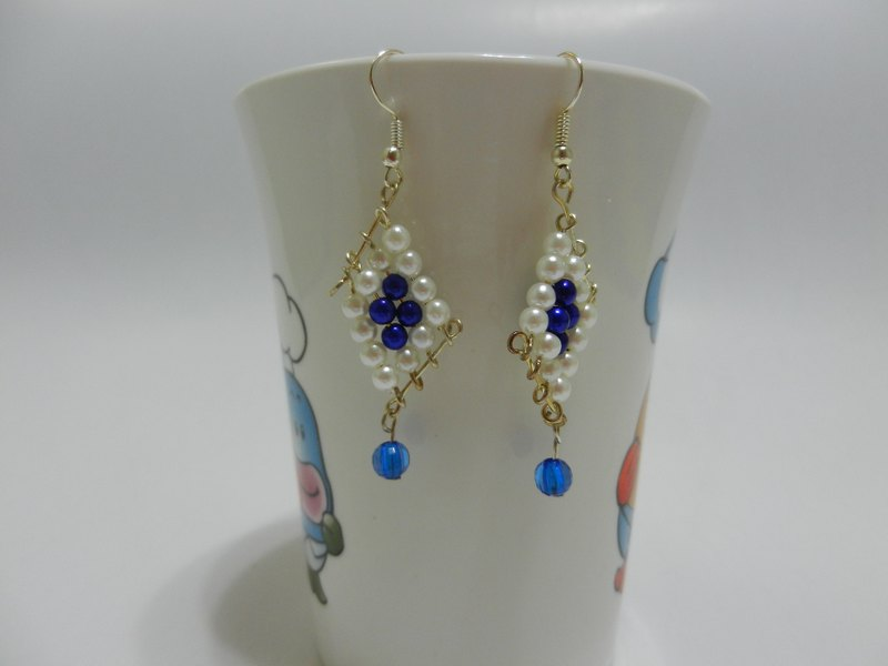 Earrings / ear clips—beaded string series—D1 (can be changed)