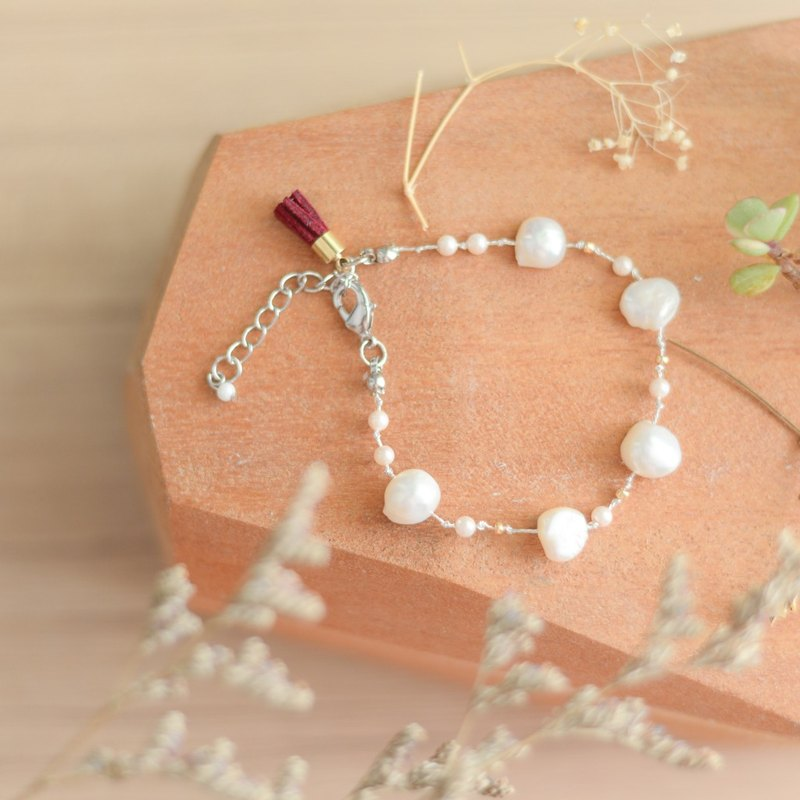 a beautiful handmade real white pearl bracelet by niyome craft