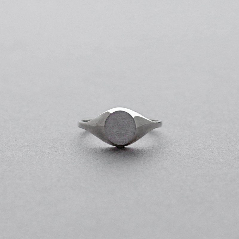 Slim oval silver signet ring