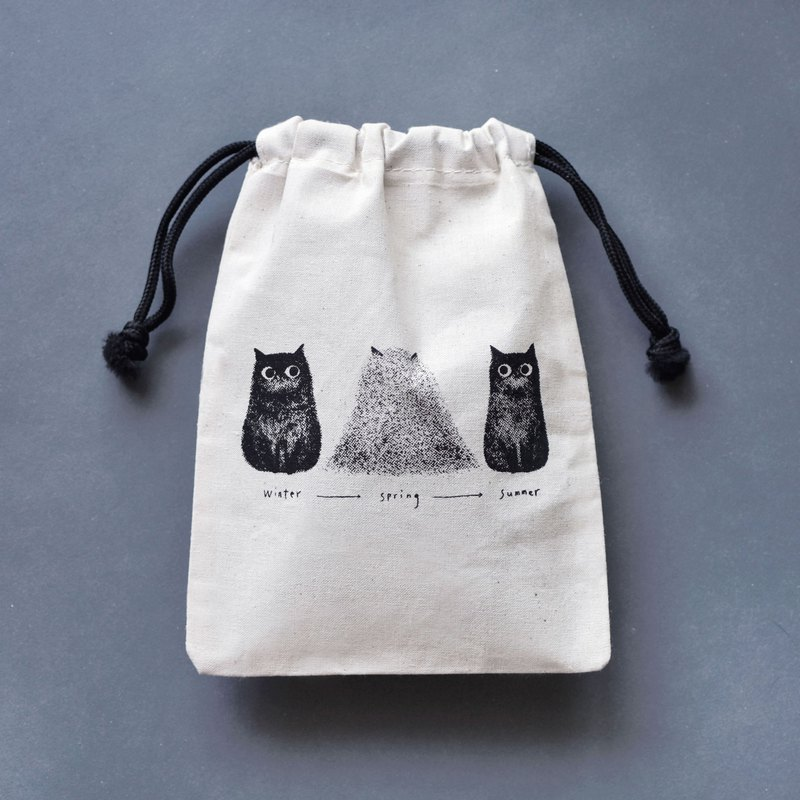 Cat silk-print canvas drawstring pockets drowned by own hair