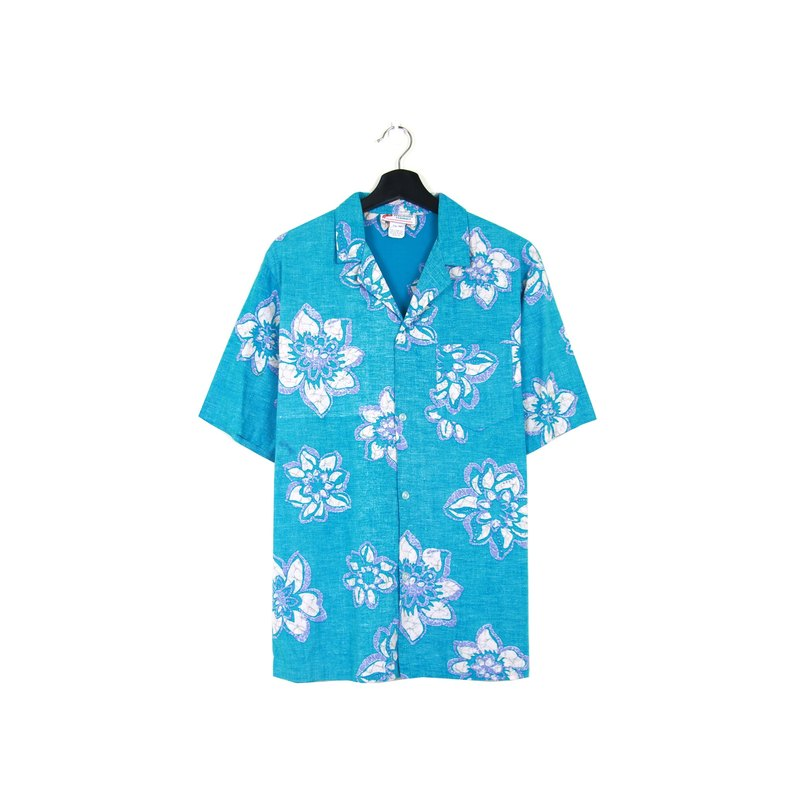 Back to Green :: Pink Blue Flower Silhouette Patterns // Men and Women Wearable // vintage Hawaii Shirts (H-26)