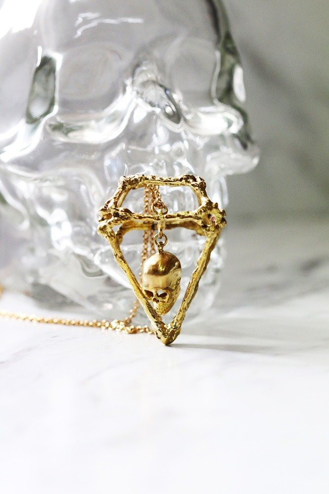 สร้อยคอ Rough Diamonds Skull Collection.