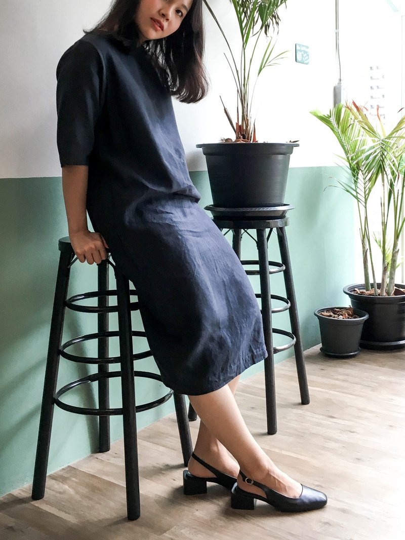 Sunday Dress : dark grey linen dress