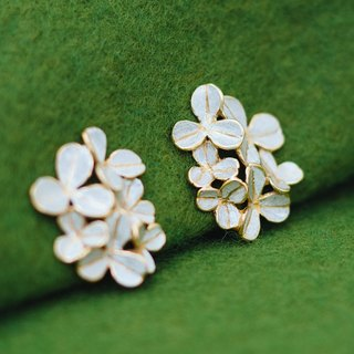 Post earrings - Clover - Gold and Silver - Four leaf clover -  Leaf earrings