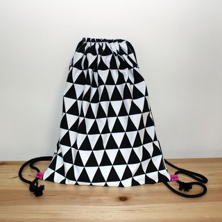 【In stock】Geometric pattern backpack