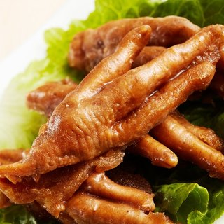 Spicy chicken feet frozen (family number 600g / box)