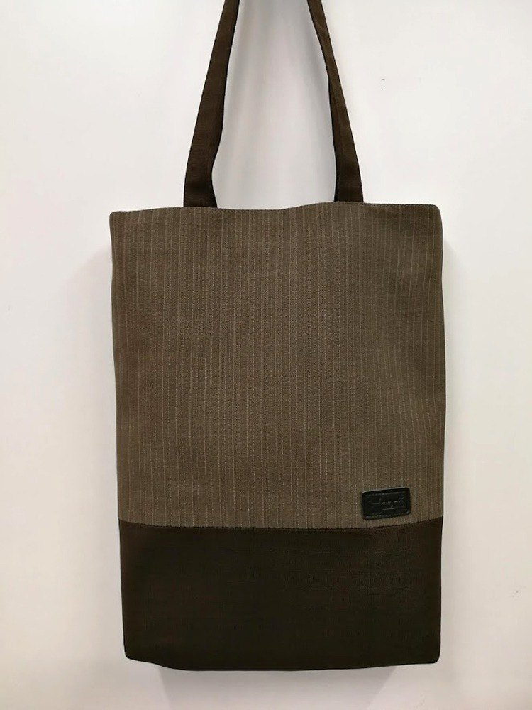 Original exquisite shoulder bag / Tote bag / A4 can be placed / brown bottom stripe AL08-006 (the only product)