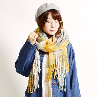 Large-format plaid shoulder shawl muffler