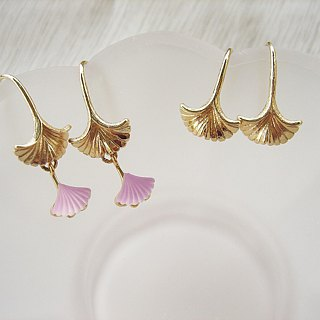 Golden swaying--Ginkgo bilge diamond earrings by Jolie baby