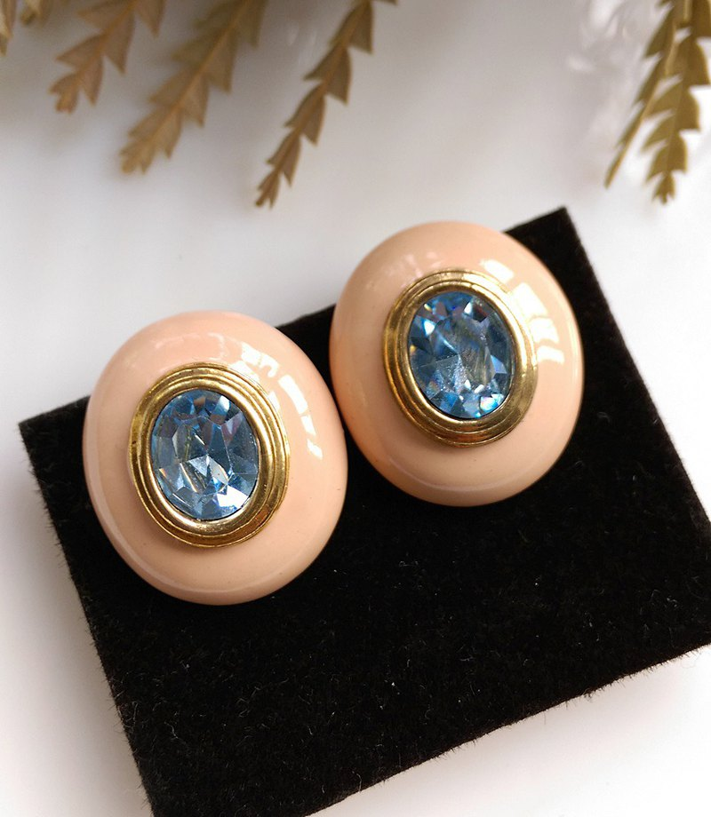 [Western antique jewelry / old age] 1970's blue clean powder clip earrings