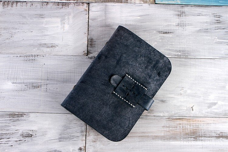 [Tangent Pie] Handmade buckle leather fog wax leather A6 notebook hand account fog wax blue