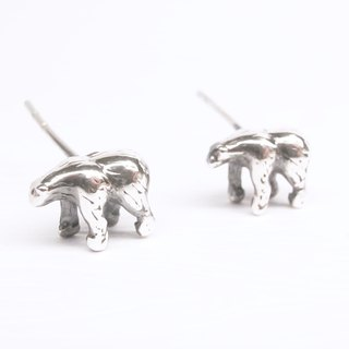 """Ermao Silver"" [polar bear] Silver earrings (one pair)"