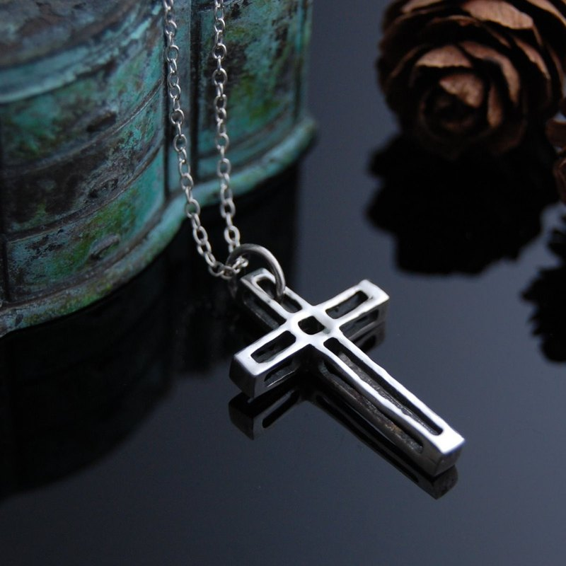 Construction. Faith (silver necklace, cross)