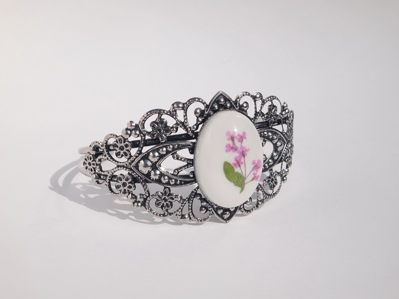 Bracelet lace flowers resin, pressed flowers bangle, gift natural jewelry