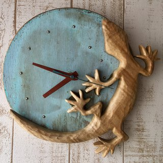 gecko+earth wall clock maple