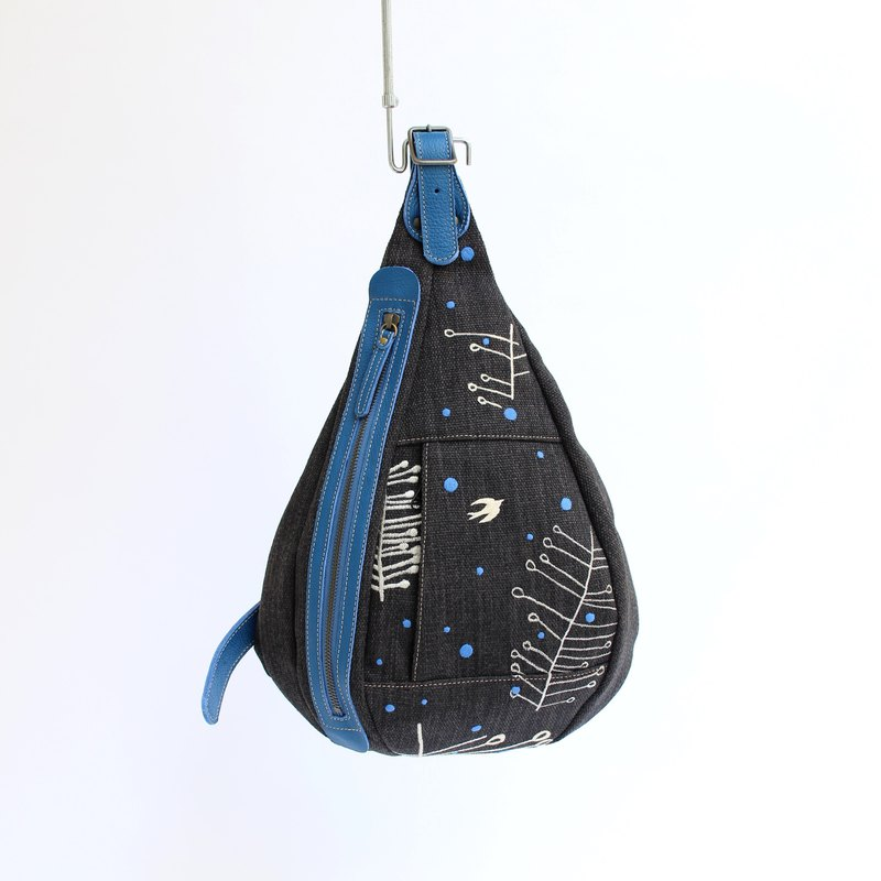 Embroidered swallow embroidered winter shoulder bag