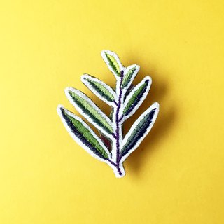 Mini hand embroidered brooch / pin some leaves
