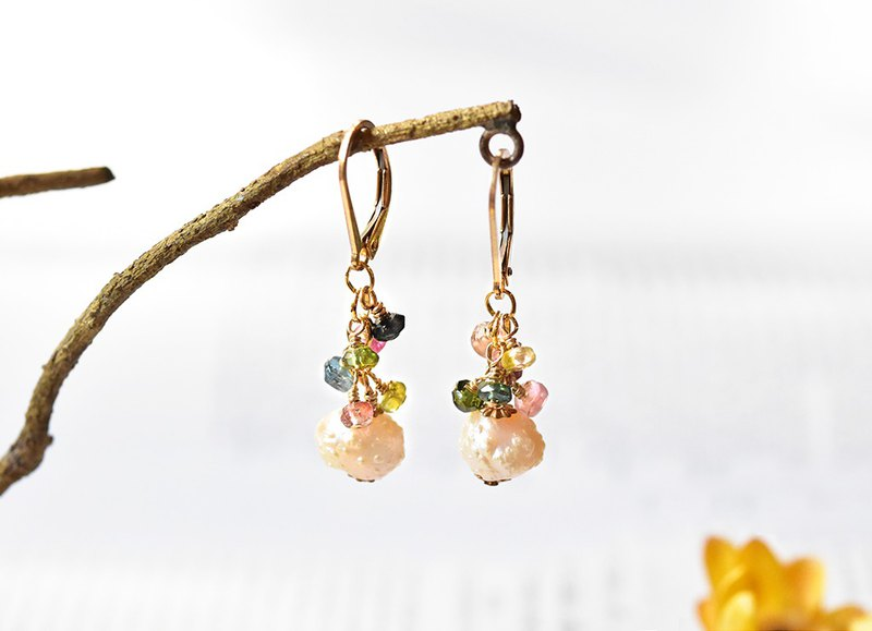 Natural baroque pearl 14kgf long jubilee earrings