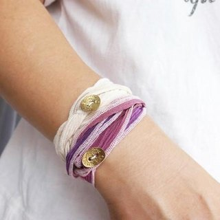 [Flower of the month] silk ribbon bracelet: brass button