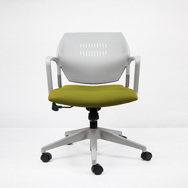 IMPRESSA | 小資扶手辦公椅 - 灰 x 橄欖綠座