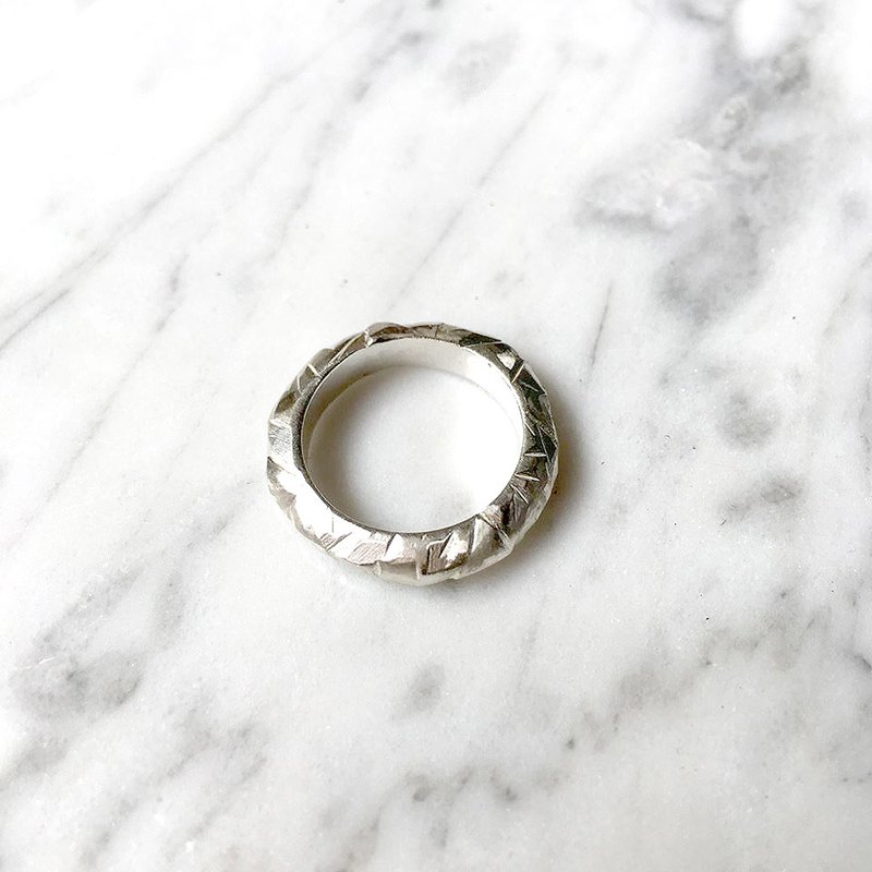 Irregularity knife mark 925 silver ring