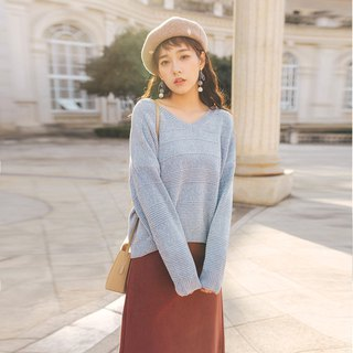 2018 autumn and winter ladies' new V-neck drop-shoulder sleeve sweater