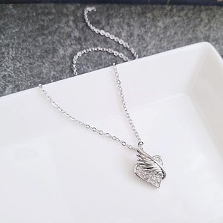[Great value] love flying sweet angel wings heart-shaped white steel pendant is not afraid of water does not change color