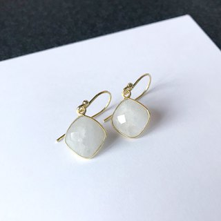 Dangle Moonstone | Able to change into clip on