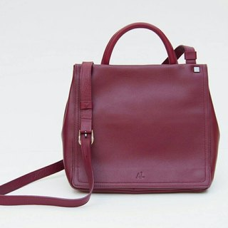 Primm Leather Back Zipper Bag in Aubergine Color