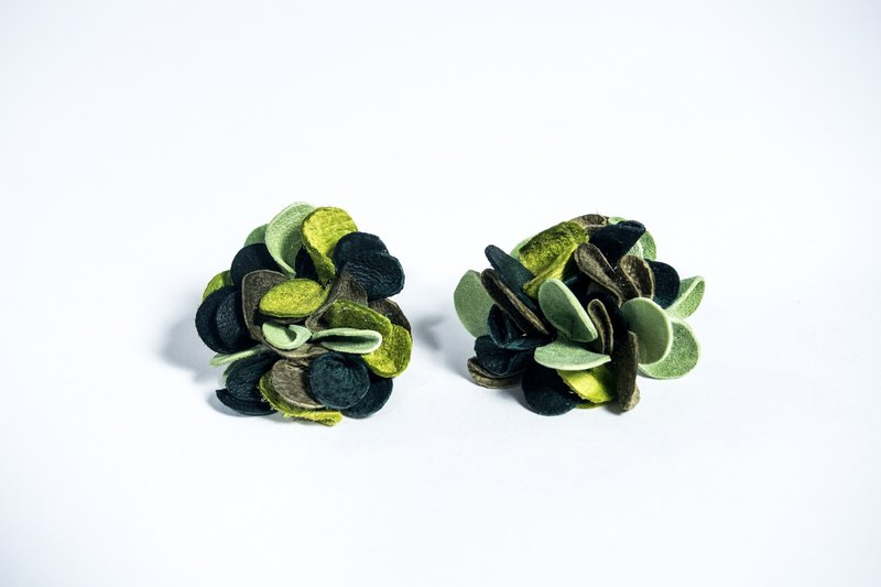 camouflage * leather earrings: Earrings *