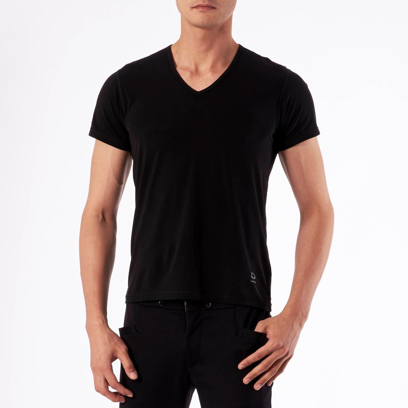 Cottonseed 157V collar Tee-black