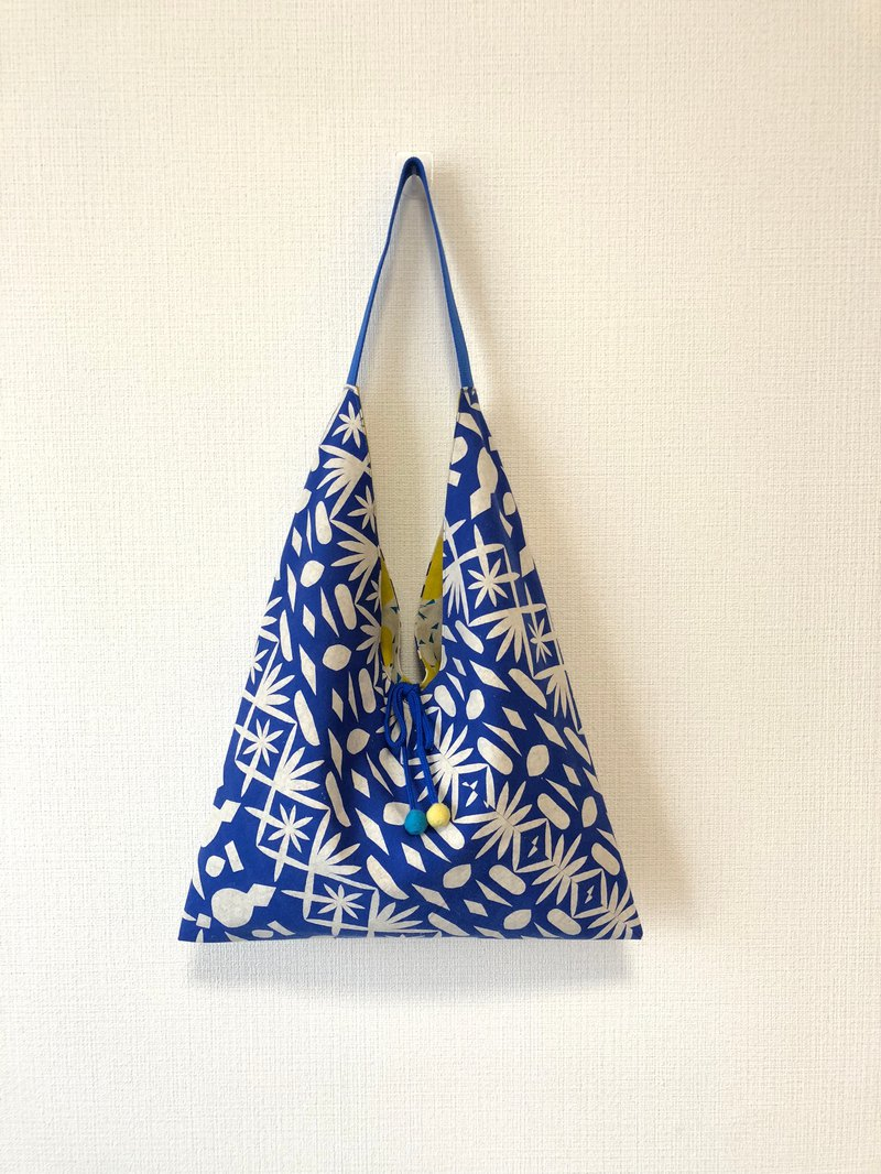 Double-sided imported cloth-shaped shoulder bag / large size / blue window 棂 + yellow big point
